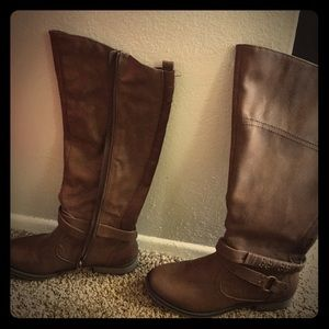 Barefoot Dreams Shoes - Brown boots