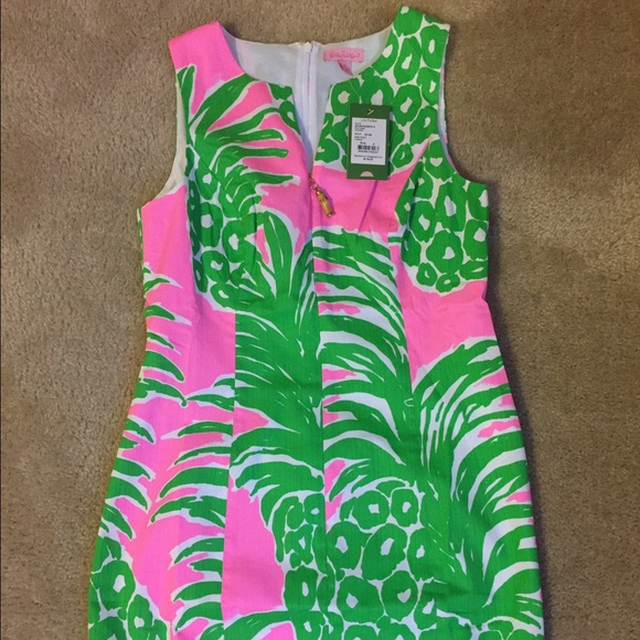Lilly Pulitzer Smocked Strapless Dress Adorable dress from Lilly Pulitzer ~  The Classic Label. Features a smo… | Smocked strapless dress, Strapless  dress, Strapless