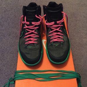 Nike Lunarlon basketball shoes