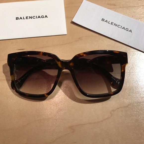 5622afdcc0d8f Balenciaga twisted temple tortoise sunglasses