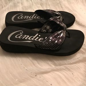 fba274a4e Candie s Shoes - 👣Brand NWOT Candies flip flops sequins 7.5