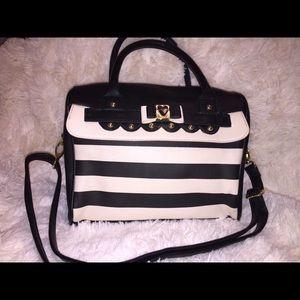SALE❤NEW Betsey Johnson bag.