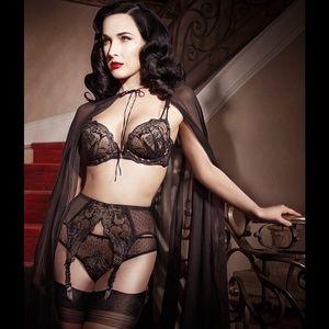 Dita Von Teese Countess Suspender NWOT