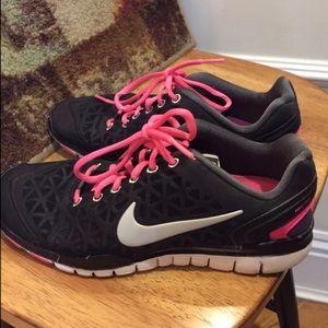 Nike Shoes - Nike Free FT 2