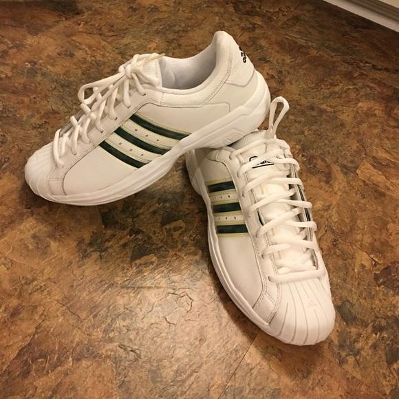 Adidas zapatos hombre  Shell Toe poshmark