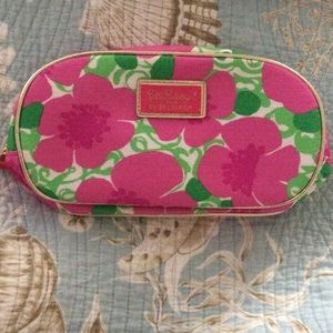 Lilly Pulitzer Handbags - Lilly Pulitzer for Estee Lauder Cosmetic bag