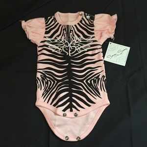 Seven Seas Clothing Other - Brand new baby girl winger onesie