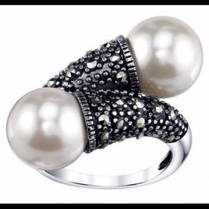 voltaire Jewelry - Beautiful real pearls and marcasite stones ring S8