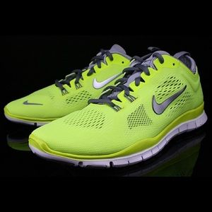 Nike Free TR Fit 4 • Size 8.5