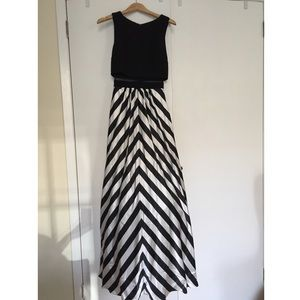 Saks Fifth Avenue Dresses & Skirts - SAKS Fifth Avenue Evening Dress Size:2 LIKE NEW
