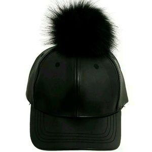 Accessories - Black pom pom baseball cap