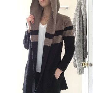 Sweet Romeo Sweaters - Sweater coat with hood and pockets, black brown
