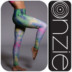 Onzie Pants - 🎀HP 3/30🎀NWOT ONZIE DAYDREAMS LEGGINGS