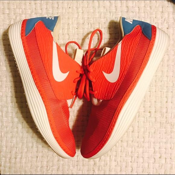 newest fbbc1 9f4a4 Nike Solarsoft Slip On Mocassin Crimson Red 💯. M 58771405f0137d7675036946