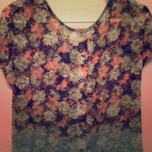 Tops - Lace floral top