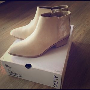 Aldo Shoes - Stunning Aldo Alieng Ivory Leather Booties