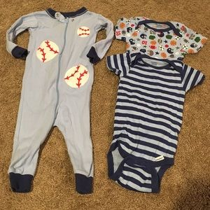 Gerber Other - Baby boy pajamas and 2 onesies