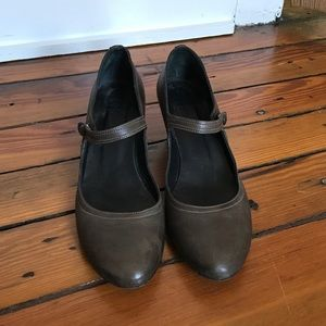 n.d.c. Shoes - n.d.c. Made by hand gray leather heels