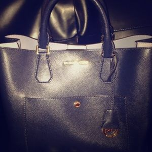 Michael Kors Handbags - 🐝MICHAEL KORS GREENWICH SET🐝