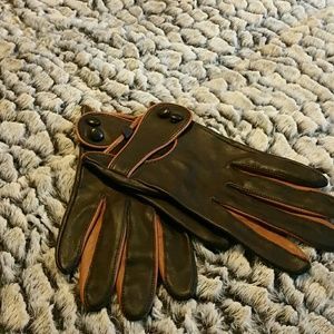 Faux  leather  gloves