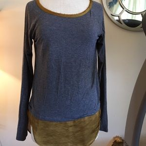 BORDEAUX Anthro top size small