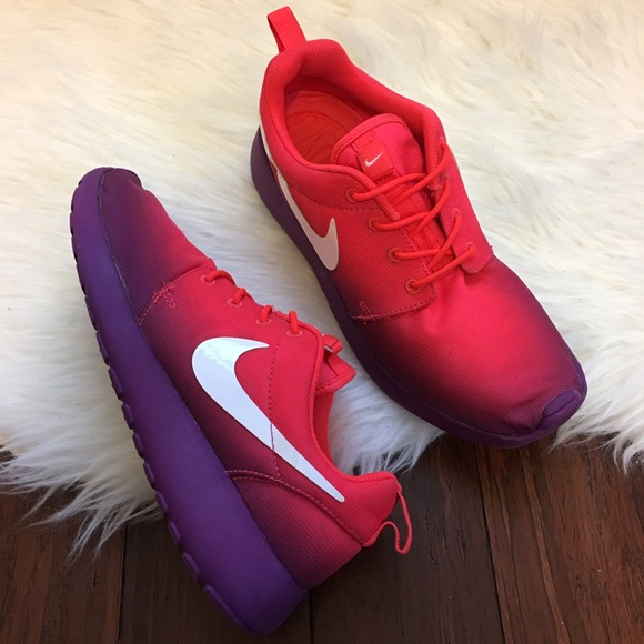 watch cba42 2d32a | NIKE | Roshe Run Pink Purple Ombré Sneakers