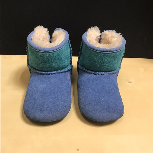 Boys Infant Ugg Boots size 4/5