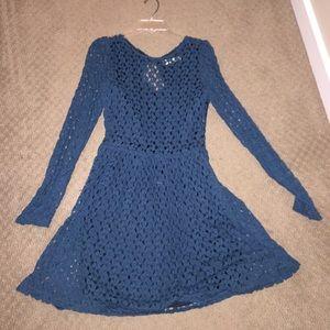 Blue lace back out  long sleeve dress