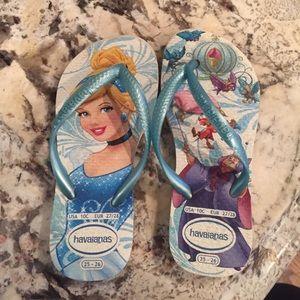 Girls Havaianas Disney princess flip flops sz 10T