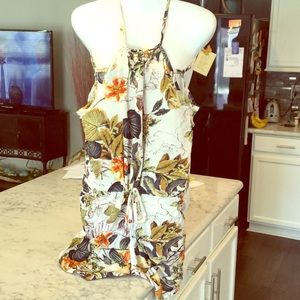 Pants - Living the Adventure ! Cute mixed floral romper