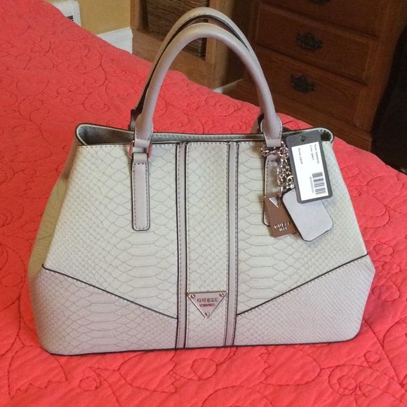 Guess handbag 8016a3cf75f68