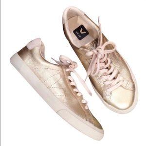 Veja Shoes - Gold Metallic Leader sneakers
