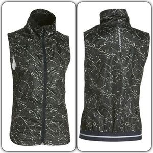 Under Armour Jackets & Blazers - Under Armour Storm Layered Up Printed Vest