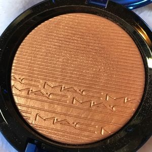 MAC Cosmetics Makeup - NIB MAC skin finish Highlighter - shaft of gold