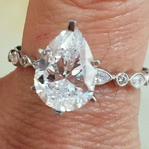 14k Solid white gold pear Engagement ring size 5.5