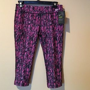 Nike Other - Nike print Capri pants