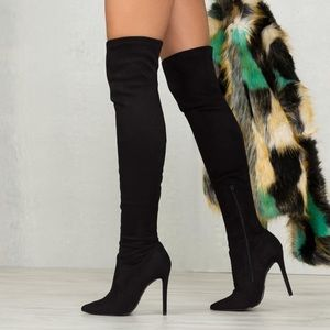 Suede over the knee boots ❤️️❤️️