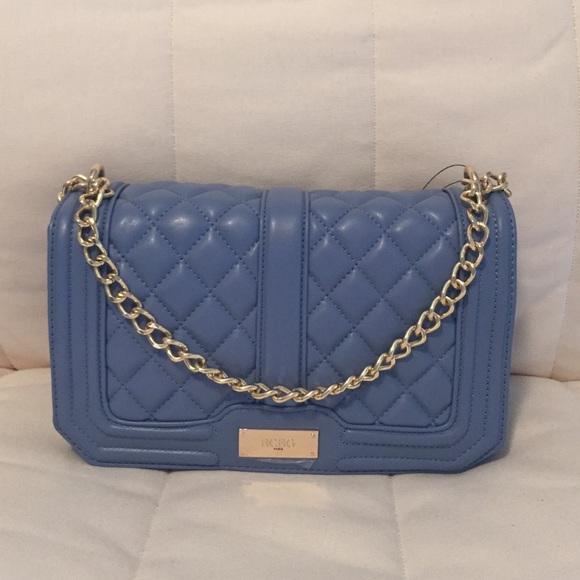 f1fc13ca64 ⭐️70% OFF⭐ BCBG Paris quilted crossbody bag
