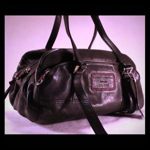 Tommy Hilfiger Handbags - TOMMY HILFIGER Black Pebbled Nantucket Satchel