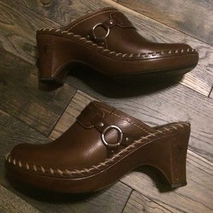 Frye Shoes - Frye Charlotte 2 Stitched Leather Clogs/Mules