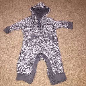Old Navy Other - Old Navy Onesie with Hood 0/3 Month