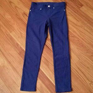 HUE Pants - HUE  Capri Leggings sz Small