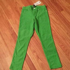 HUE Pants - HUE Capri Green Leggings Sz Small