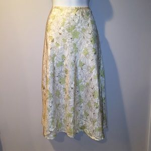 Kate Hill Dresses & Skirts - Kate Hill Silk ivory & mint floral skirt. Size 6
