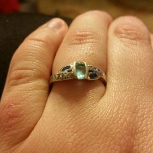 Jewelry - Size 7 sterling silver opal ring