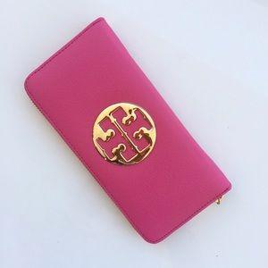 Tory Burch Handbags - New Tory Butch Amanda Zip Wallet in Pink