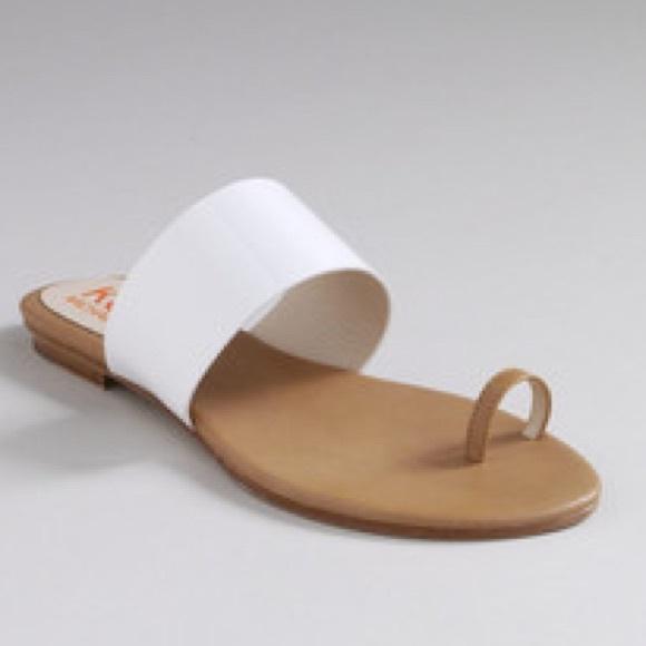 Michael Kors Zen Toe Loop Flat Sandals