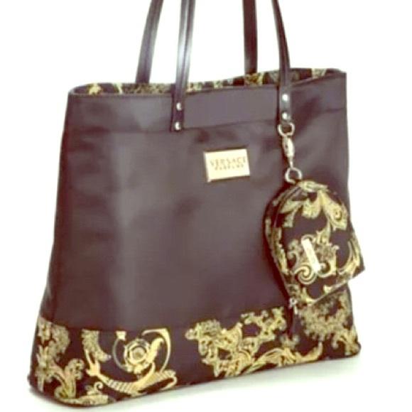 c54277cff01f Versace Fashion Black Gold Tote Bag Purse. M 5878541c2fd0b7572301b6b8