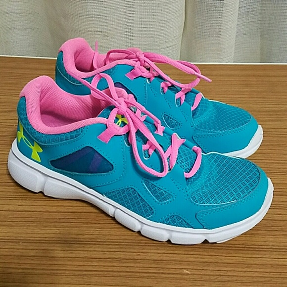 Under Armour ladies Running Shoes size 7 women 4de5a906d