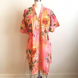 Vintage Dresses & Skirts - Vintage Floral V Neck Caftan Dress!